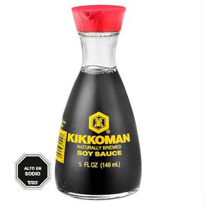 Salsa-de-soya-Kikkoman-c-dispensa.-148ml